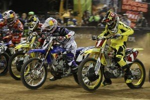 Le supercross dans collaborateurs motocycle supercross-300x200